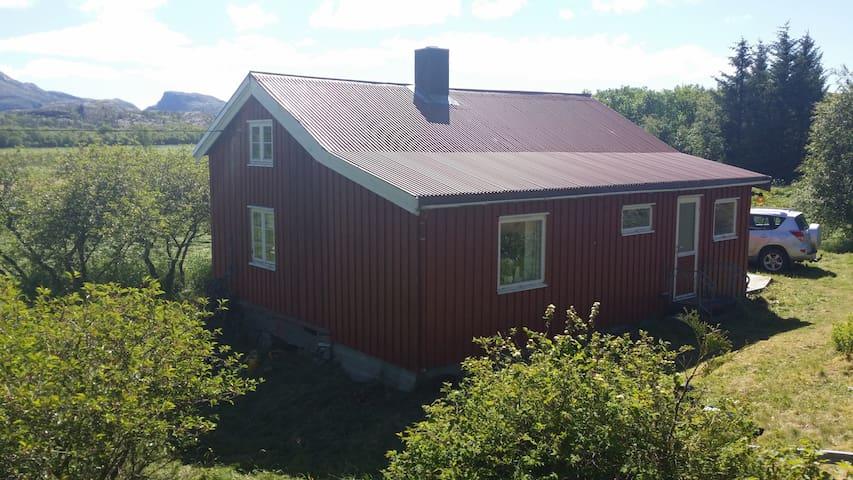 Houses near the sea - Vallersund - Cabin