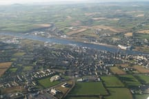 New Ross with the River Barrow, this divides Wexford and Kilkenny counties.
