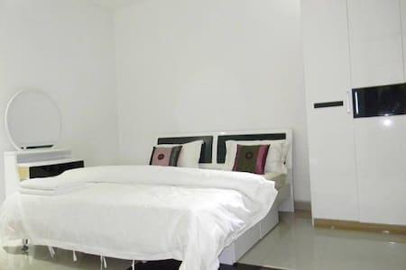 Best spaciou,neat rooms in kampala  - Кампала - Квартира