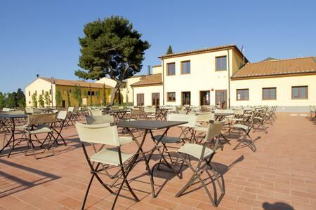 Stylish apartment with AC near the Tuscan coast