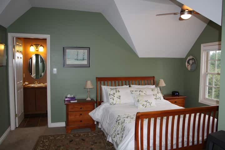 Willow Trace B&B by Elevate Rooms - Kimberly Queen Room