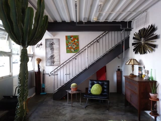Equisite Loft in Downtown San Diego