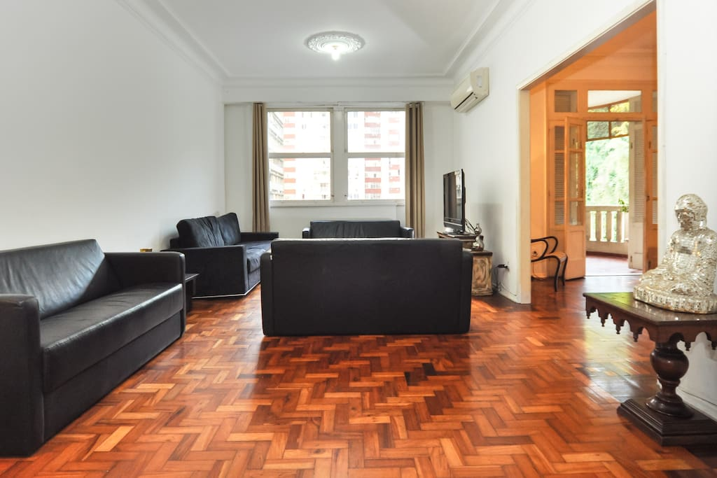Large Living Room with 3 sofa
