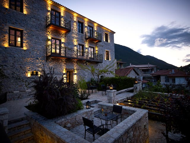 LUXURY STONE VILLA-SUPERIOR SUITE - Peloponnese - Bed & Breakfast
