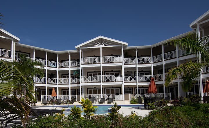 Lantana Resort 23