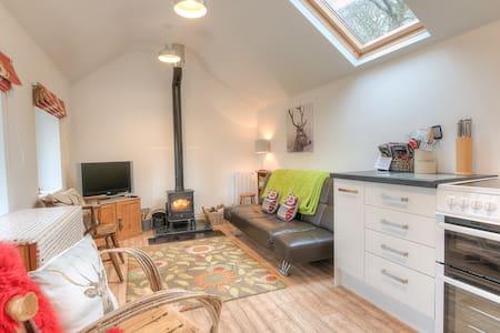 Cosy Farm Cottage Apartment.