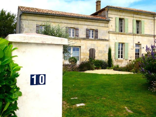 FARM HOUSE 17120 FLOIRAC, NR ROYAN - Floirac, Charente-Maritime - Haus