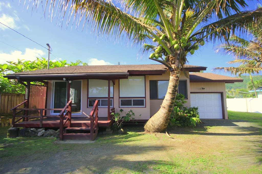Welcome to Seaside Hideaway! This newly remodeled home is located in Oahu's North Shore where fun and adventure awaits you and your family and friends.