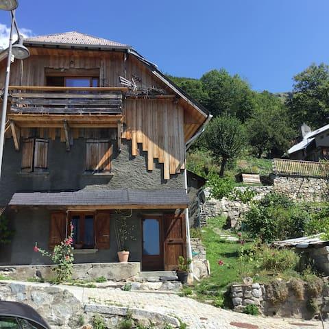 Gîte de charme à Oz (Alpe d'Huez Grand Domaine)