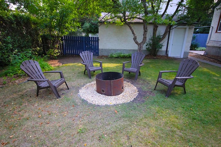 One of three outdoor seating areas. Firewood is supplied upon request!