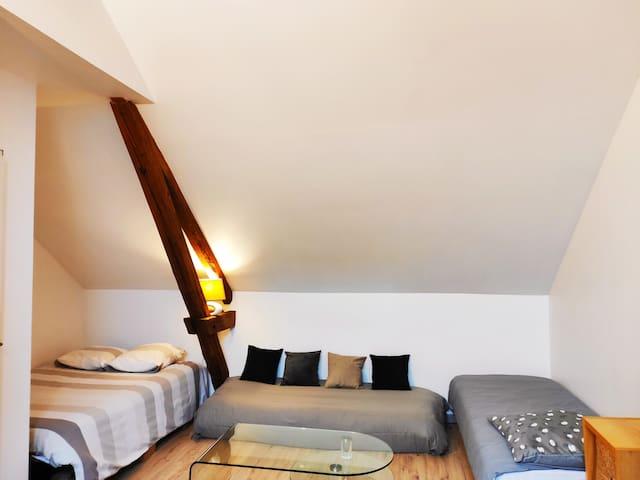 Chambre 3 : 1 lit double + 1 lit 1 personne