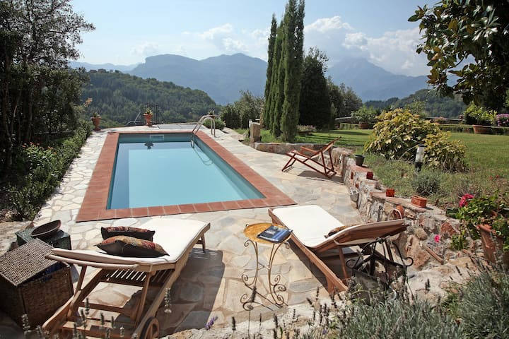 17C Villa With Private Pool, Fabulous Garden Wi-Fi - Province of Lucca - Villa
