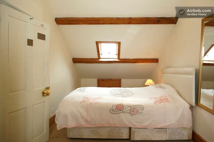 B&B 3 rooms in townhouse - Beaumaris - Casa