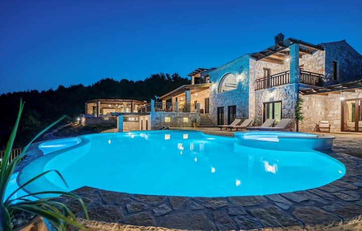 Amara Luxury Villa