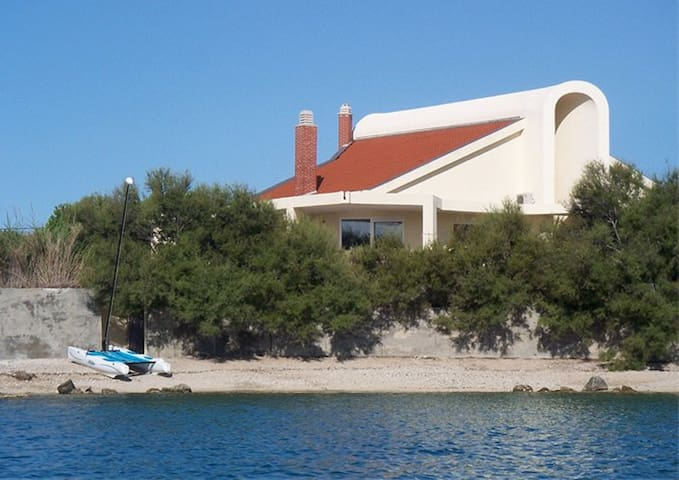 Villa by The Sea - Kaštel Štafilić - Villa