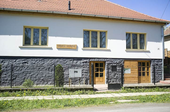 Vargánya Vendégház - MTB Apartman