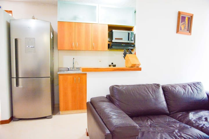 Como en casa en Medellín!. Cómodo apartamento.