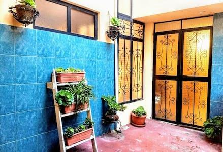 Cómodo Apartamento en Centro Colonial Latacungueño