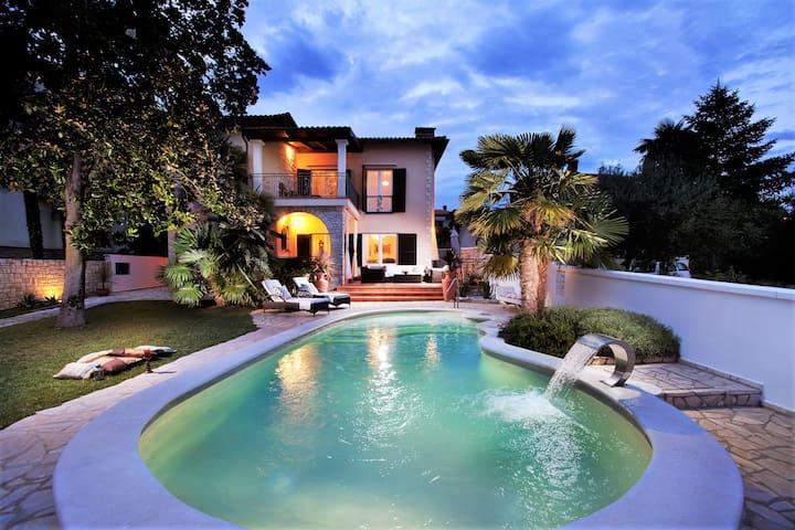 Villa Magnolia Lux 5 Star Sea Front
