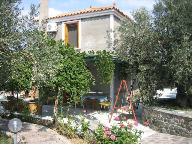 Synny House - Sappho - Efthalou - อพาร์ทเมนท์