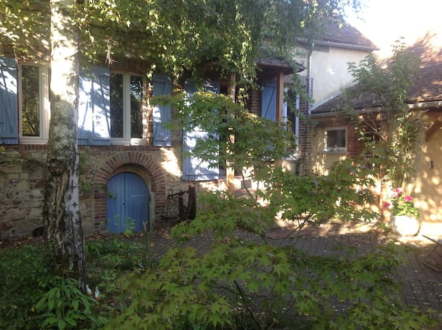 Lovely House in a pleasant Village  - Thorigny-sur-Oreuse - Haus