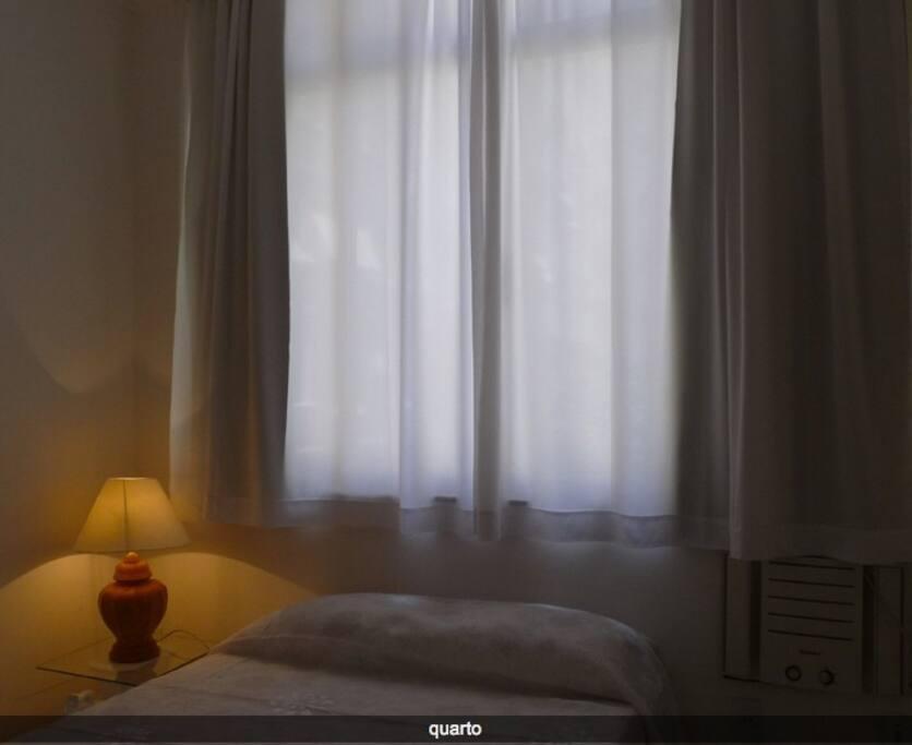 Le lit / Bed