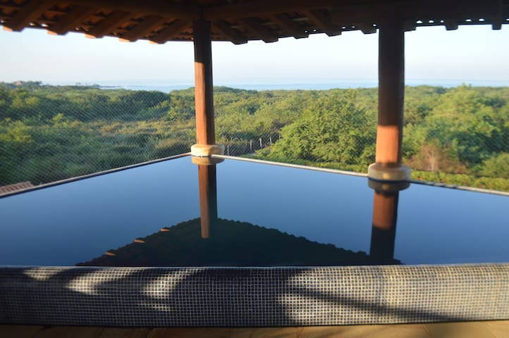 Infinity pool in your living room