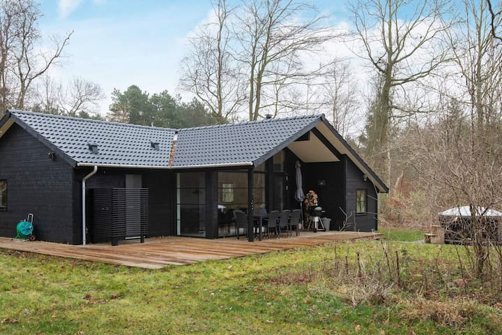 Lively Holiday Home in Vig with Whirlpool