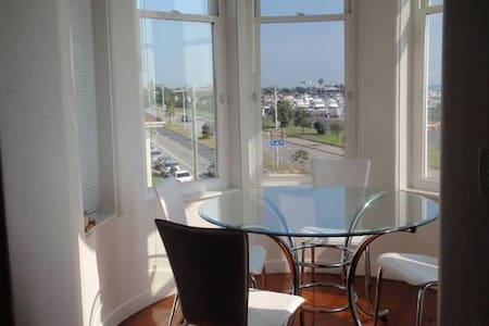 Stunning Bay Views in St Kilda  - Appartamento
