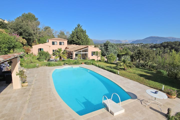 4 Bed villa & apartment + private pool with view.