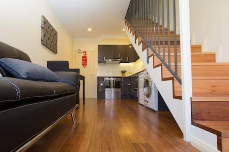 Boutique Deluxe Apartment - Randwick - Huoneisto