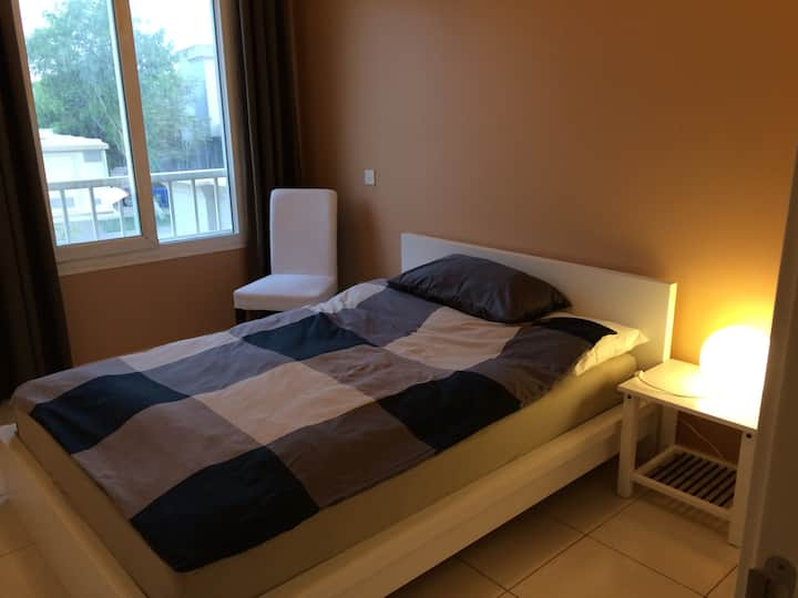Lovely room in quite and peaceful villa in Springs