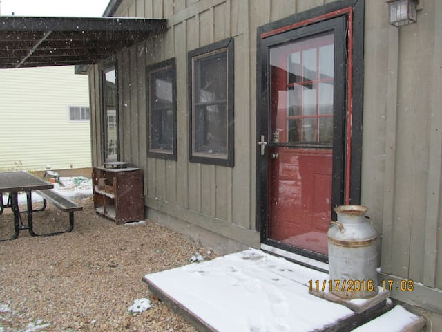 No frills Bunkhouse for 8. - Kamas - Pension