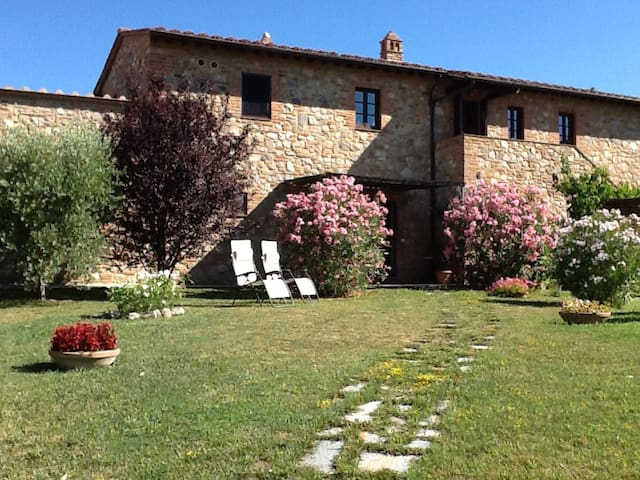 Apartment near San Gimignano