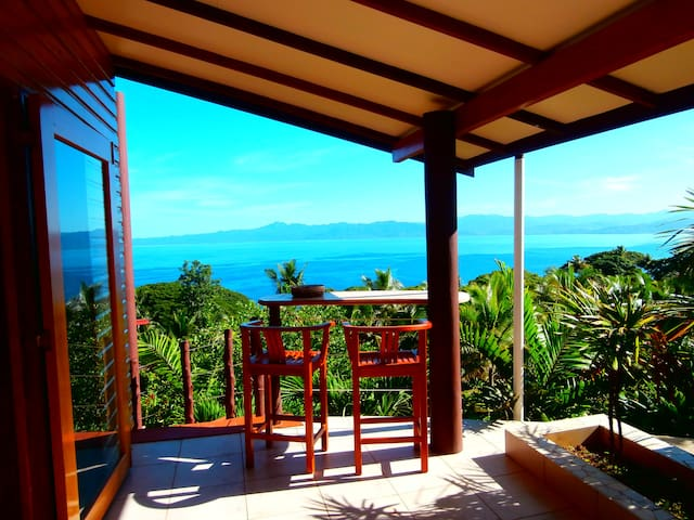Apartment with stunning view & pool - Savusavu - Vila