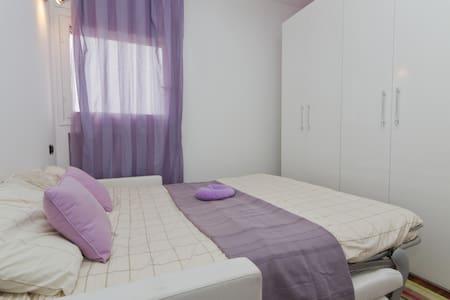 Milano, camera matrimoniale, bagno - Milano