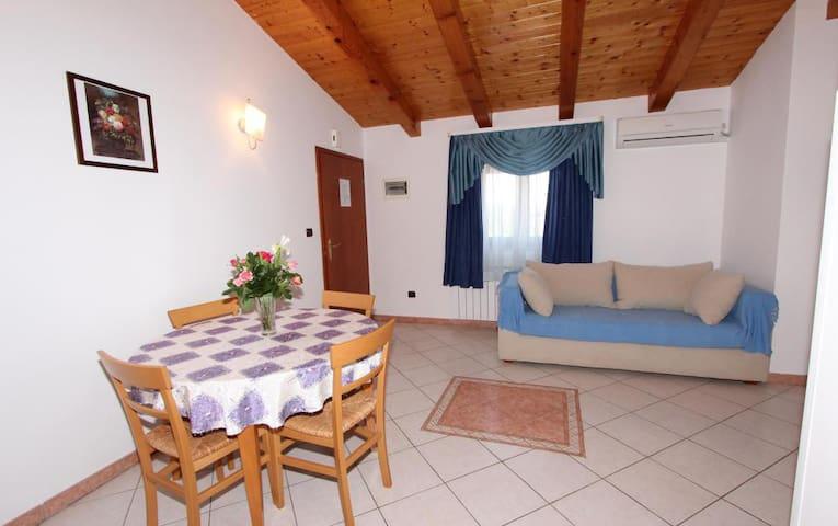 VILLA MARA One-Bedroom Apartment 6 - โรวีน - อพาร์ทเมนท์