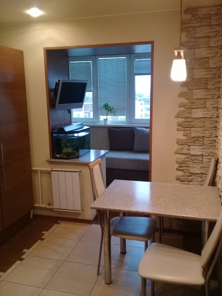 Two-room apartment near the subway and mall