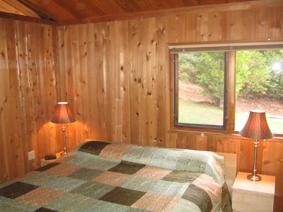 3 of the 4 bedrooms have warm cedar walls with premium mattresses. Very comfortable!