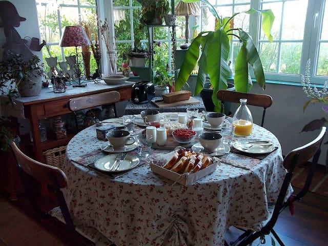 """""""Côté Jardin """" à La Parenthèse ... - Hautot-l'Auvray - Bed & Breakfast"""