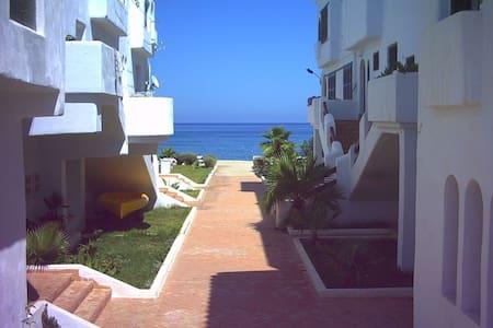 Strandappartement te huur direct a/h strand - Fnideq - Lejlighed