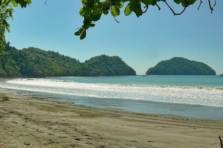Room Paradise Herradura - Puntarenas Province - 独立屋