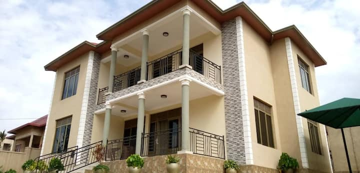 Beautifully furnished townhouse