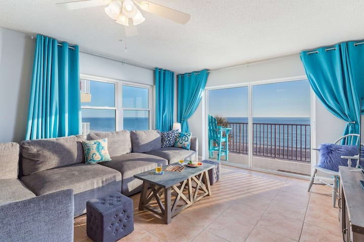 Superb Location on the Beaches of Madeira. Great Corner Unit Views. Beachfront Pool on the Sand!
