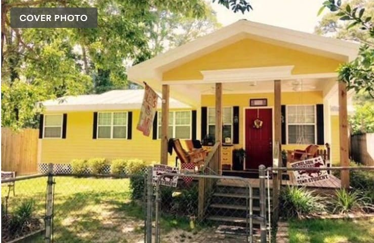 Twin bed close to Interstate 45mins to New Orleans