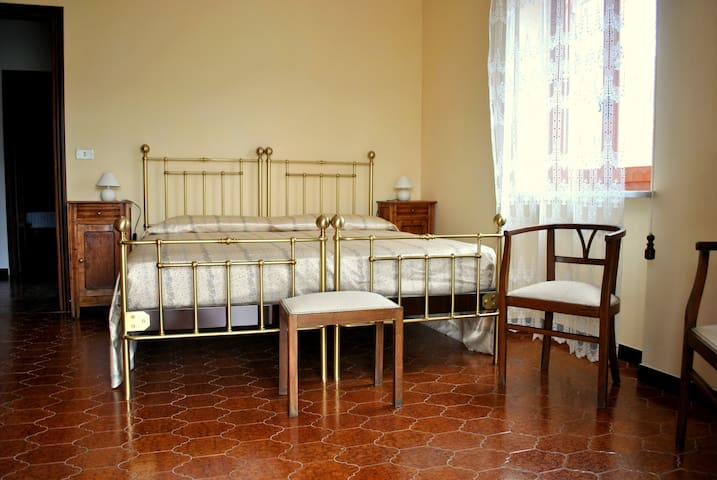 Camera c/o B&B Le Coccinelle - Torre Bormida - Bed & Breakfast