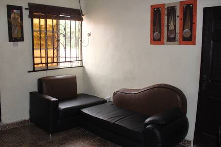 Cozy Mini-Flat in a Serene Estate in Sabo, Yaba