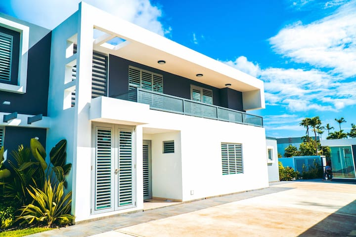 Modern Aquaville w/2BD pool&near the beach (Apt 2)
