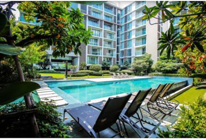 2bedroom new condo in Rd.nimmana尼曼路2卧精品公寓