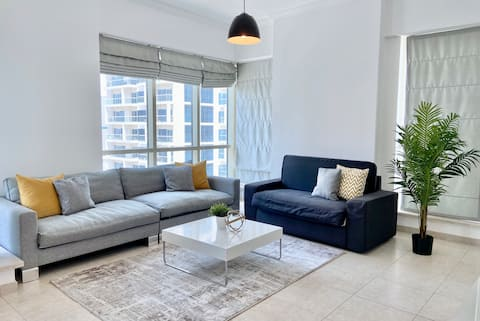 Simple & Spacious Apartment in Dubai Marina